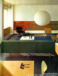Paris - Appartement Architecte: Jean Ginsberg, André Ilinski Architecte d'intérieur: André Monpoix Construction: 1961 Poul Kjaerholm (Mobilier International). Alain Richard (Meubles T.V.) Geneviève Dupeux, Vasarely