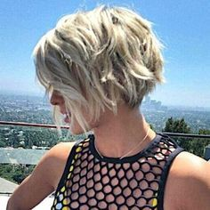 blonde, wavy, stacked bob haircut