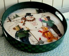 Home Crafts, Diy And Crafts, Decoupage Wood, Christmas Canvas, Pintura Country, Round Tray, Wooden Crafts, Vintage Decor, Painting On Wood