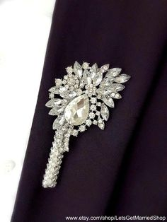 Jewelry Wedding Grooms Boutonniere Silver Crystal Wedding Pin Prom Gray  Rhinestone Brooch Mens Butto 896e273ccceb