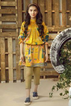 Simple Pakistani Dresses, Pakistani Fashion Casual, Pakistani Dress Design, Pakistani Outfits, Stylish Dress Designs, Stylish Dresses For Girls, Dresses Kids Girl, Casual Summer Dresses, Lengha Blouse Designs