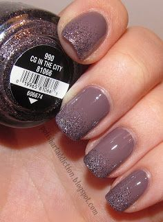 Lavender nails with purple and grey glitter. Unghie lavanda con con glitter viola e grigi Get Nails, Fancy Nails, Love Nails, How To Do Nails, Hair And Nails, Fabulous Nails, Gorgeous Nails, Pretty Nails, Uñas Fashion