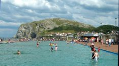 Visit Llandudno in Wales UK With Free Tourist Attractions. Holiday Attractions in Llandudno, Wales Llandudno has a wonderful Victorian Promenade and Pier. Wales Uk, North Wales, Sand Game, Visit Uk, Punch And Judy, Travel Destinations, Vacation Travel, Vacations, Time To Leave