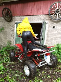 Confident Woman, Rain Wear, Outdoor Power Equipment, Baby Strollers, Leather Pants, Raincoat, Bike, The Originals, Lady