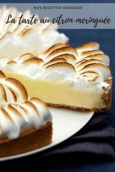 All the tricks to make an incredible lemon meringue pie - lemon pie recipe – meringue – easy lemon meringue pie - Easy Smoothie Recipes, Healthy Dessert Recipes, Snack Recipes, Snacks, Lemon Desserts, Fall Desserts, Raffaello Dessert, Lemon Pie Recipe, Lemon Meringue Pie