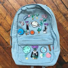 soft grunge koko canvas denim backpack @ møe 🌞⛅🌟 fσℓℓσω мє for more! Mochila Grunge, Grunge Suave, 90s Grunge, Denim Backpack, Backpack Bags, Backpack With Patches, Backpack With Pins, Yellow Backpack, Fashion Handbags