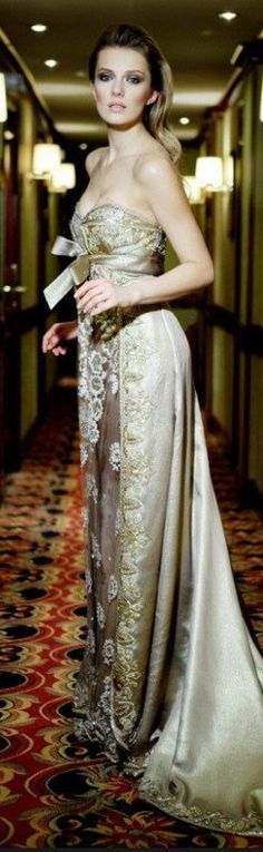 Crazy Dresses, Pretty Dresses, Beautiful Dresses, Long Dresses, Terani Dresses, Mario, Beautiful Evening Gowns, Terani Couture, Glamour
