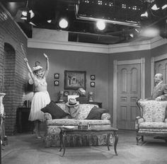 300 live audience members attended each taping of I Love Lucy .