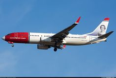 Boeing 737-86N aircraft picture