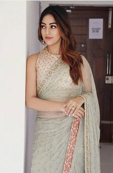 How to Select the Best Modern Saree for You? Saree Blouse Patterns, Saree Blouse Designs, Sari Blouse, Indian Dresses, Indian Outfits, Pakistani Outfits, Lehenga, Anarkali, Sabyasachi