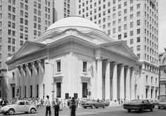 Girard Trust Bank – also known as Girard Trust Corn Exchange Bank Building – was built as the headquarters and main branch of the Girard Bank, a company founded in 1811. The Beaux Arts building was inspired by the Pantheon in Rome, and was conceived by architect Frank Furness.