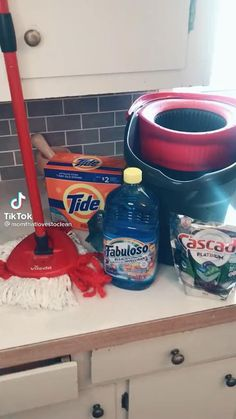 Diy Home Cleaning, Household Cleaning Tips, Deep Cleaning Tips, Cleaning Recipes, House Cleaning Tips, Diy Cleaning Products, Cleaning Solutions, Spring Cleaning, Cleaning Hacks