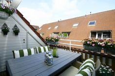 Een lekker wijntje drinken kan tot 20:30 in de zon op het balkon van je nieuwe appartement: De Schepershilt 23 in Leusden. Het huis is te koop voor € 157.950,= k.k. Deze week op Funda.nl