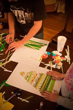 Kerstboom maken van verschillende stroken stof.