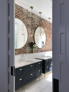 45 Pretty Bathroom Design Ideas With Exposed Brick Walls To Try - A bathroom whether it is an independent unit or attached to a bedroom will always have tiles running around all wall surfaces. I some cases the tiles . Brick Bathroom, Loft Bathroom, Bathroom Renos, Dream Bathrooms, Bathroom Faucets, Bathroom Interior, Modern Bathroom, Small Bathroom, Master Bathroom