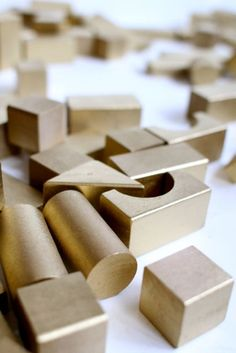 Children will enjoy building Solomon's temple with golden blocks...just like the inside of the temple was covered in gold. Great Sunday school activity!