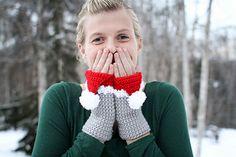 Crochet Pattern Santa Hat Handwarmers by Mamachee on Etsy Crochet Santa, Hand Crochet, Crochet Christmas, Crochet Winter, Crochet Gifts, Knit Crochet, Crochet Beanie Hat, Crochet Gloves, Crochet Books