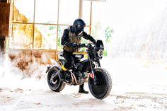 2015 Ducati Scramber Custom Build Pirell SC-Rumble by Vibrazioni Art Design Front Right Side