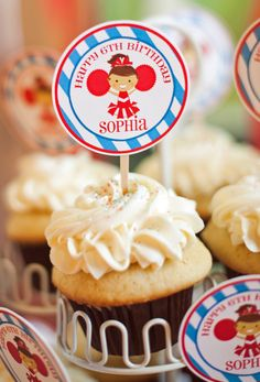 Cheerleading Cupcakes!  That Party Chick!