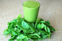 Looking for detox smoothies to boost your energy? Whether you need a cleanse or want to lose some weight, there's a detox smoothie recipe that you'll love! Smoothie Detox, Avocado Smoothie, Green Smoothie Recipes, Weight Loss Smoothies, Spinach Smoothies, Juice Recipes, Spinach Protein, Breakfast Smoothies, Green Smoothies