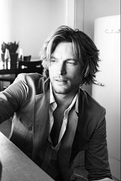 Gabriel Aubry - messy hair still looks good on some people (hate).