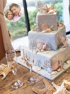 The Ultimate Celebrity Wedding Cakes | THE LITTLE COUPLE'S JEN & BILL | When you're throwing a surprise vow renewal for your wife, you want to make sure she's going to like everything, including the cake! Bill enlisted Houston's Who Made the Cake to create a sugar showpiece for the June 2014 affair. Since Jen loves starfish, the cake had a nautical theme, including hand-painted chocolate fondant shells, starfish and coral. The flavor? The tiers alternated between white cake with vanilla ...