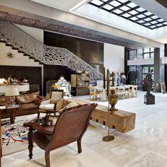 9dbb29e67880 Hôtel particulier Gérard Depardieu Maison De Star, Hotel Particulier, Deco,  Mobilier De Salon