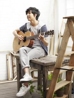 Lee Seung Gi 이승기 ♡ #Kdrama He sings,plays guitar & can act. What a perfect combination.