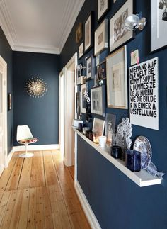 I love this interior design! a great idea for home decor. Home design.I love this interior design! a great idea for home decor. Home design. Hallway Paint Colors, Hallway Walls, Room Colors, Grey Hallway, Long Hallway, Paint Colours, Colours For Hallways, Home Wall Colour, Hallway Flooring