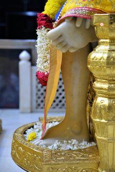 Sai Baba Wallpapers, Sathya Sai Baba, Baba Image, Om Sai Ram, Krishna, Whatsapp Group, Prayer, Trust, Backyard