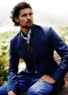 Dutch model, Wouter Peelen, photographed by Paul Bellaart, reunites with Scapa to showcase Scapa Fall/Winter 2014 Collection. Curly Hair Men, Wavy Hair, Medium Hair Styles, Curly Hair Styles, Style Masculin, Look Man, Mens Fashion Blog, Men's Fashion, Mi Long