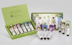A set of a six scented hand cream tubes representing six EXO members. It's a collaboration of Nature Republic and SM Entertainment. Exo Nature Republic, Nature Republic Products, Chanyeol, Kpop, Exo Merch, Bts And Exo, K Beauty, Hand Cream, Makeup Organization