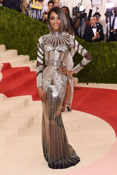 "Jourdan Dunn attends the ""Manus x Machina: Fashion In An Age Of Technology"" Costume Institute Gala at Metropolitan Museum of Art on May 2, 2016 in New York City."