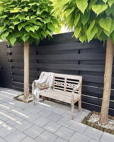 Terrace black fence national, # nationwide black fence, - All About Wood Fence Design, Modern Fence Design, Rustic Home Design, Backyard Garden Design, Backyard Fences, Backyard Landscaping, Terrace Garden, Black Fence, Outdoor Living