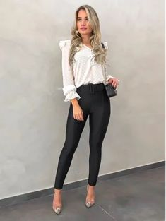 Black Casual Outfits, Cute Hipster Outfits, Business Casual Outfits, Summer Fashion Outfits, Work Fashion, Modest Fashion, Fashion Shoes, Casual Office Wear, Look Office