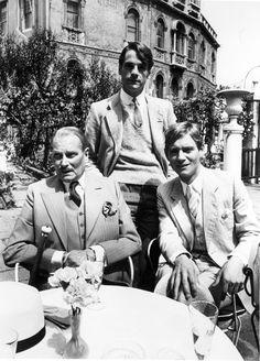 voxsartoria — Al Fresco. Laurence Olivier, Jeremy Irons, and...