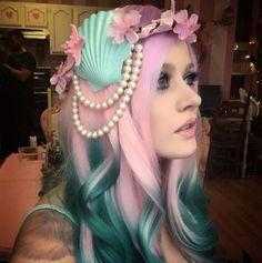 Love her Pink & Teal hair! Teal Hair, Green Hair, Ombre Hair, Kelly Eden, Pelo Multicolor, Coloured Hair, Creative Hairstyles, Rainbow Hair, Love Hair