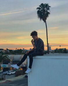 """245.5 mil Me gusta, 745 comentarios - Juanpa Zurita (@eljuanpazurita) en Instagram: """"El cielo en un atardecer nunca va a terminar de sorprenderme."""""""