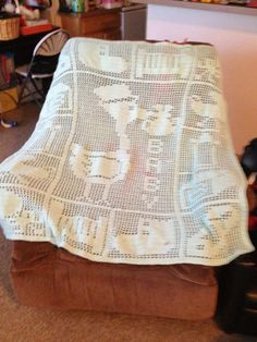 Anyone ever seen this filet crochet baby blanket? Crochet For Beginners Blanket, Baby Afghan Crochet, Manta Crochet, Crochet Baby Booties, Crochet Blankets, Baby Blankets, Baby Afghans, Crochet Patterns Filet, Crochet Chart
