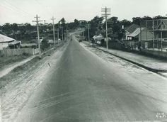 Princes Hwy at Kogarah Bay/Carlton,in the St George region of Sydney in 1937,looking south with Plant St on right. •Kogarah Library• Sense Of Place, The St, Family Memories, Pilots, Brighton, The Twenties, Old Photos, Past, Sydney
