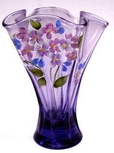 Fenton Vase - purple with acrylic flowers Fenton Glassware, Vintage Glassware, Vase Design, Vase Crafts, Purple Glass, Carnival Glass, Antique Glass, Vases Decor, Colored Glass