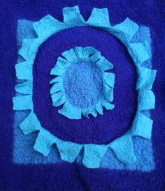 Gemaakt van naaldvilt. Kussenhoes.  Made of needle felt. Pillowcover.