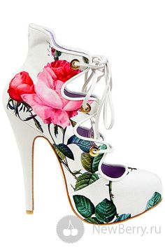Christian louboutin these are different. Heeled Boots, Bootie Boots, Shoe Boots, Shoes Heels, Pumps, Boot Heels, Stilettos, Jimmy Choo, Christian Louboutin