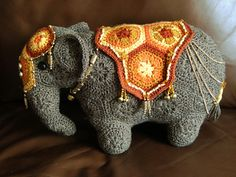 Ravelry: Loxodonta & Elephas the african flower elephants pattern by Anne Rutgrink