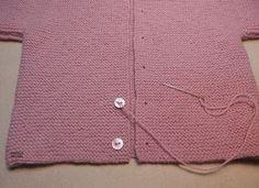 Explicación jersey rosa sencillo para bebé – El castillo de lana Baby Sweaters, Baby Knitting, Lily, Pullover, Fashion Trends, Beach Fashion, Angel, Makeup, Old Shirts