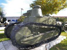Tanque Renault FT-17, actualmente conservado en El Goloso (Madrid).French FT-17 - Desembarco de Alhucemas - Wikipedia, la enciclopedia libre