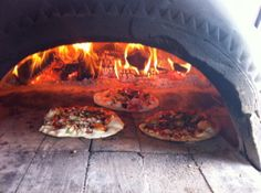 Hot Rocks - The Perfect Treat For Your Wedding Guests! Instead of the traditional hog roast you have pizza!