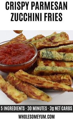 Crispy Baked Zucchini Fries Recipe – Low Carb with Parmesan – Crispy oven baked zucchini fries made with just 5 INGREDIENTS! Everyone will love this easy and healthy low carb Parmesan zucchini recipe. Zucchini Pommes, Parmesan Zucchini Fries, Bake Zucchini, Parmesan Crusted, Crusted Chicken, Recipe Zucchini, Zucchini Lasagna, Zucchini Bread, Baked Zucchini Chips