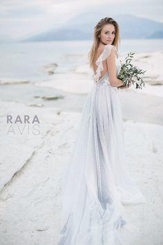 e80fbd02ee1 Wedding dress Delon simple wedding dress by RaraAvisAngeEtoiles Levné  Svatební Šaty