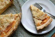 Peaches are a great treat any time of year, especially in a custard pie. With a streusel top and a creamy center, this pie is one of a kind. Best Peach Pie Recipe, Peach Pie Recipes, Cake Recipes, Dessert Recipes, Peach Custard Pies, Pie Crust Shield, Dessert Cookbooks, Peach Slices, Delicious Fruit